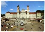 Kloster mit Marienbrunnen